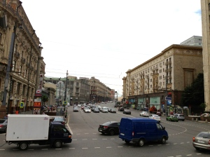 Moskau ist mmer in Bewegung: sei es auf der Tverskaya Strasse im Zetrum von Moskau  als auch beim Interim Management in Russland