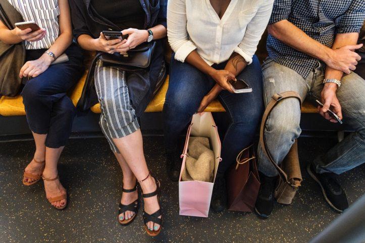 smartphone-metro